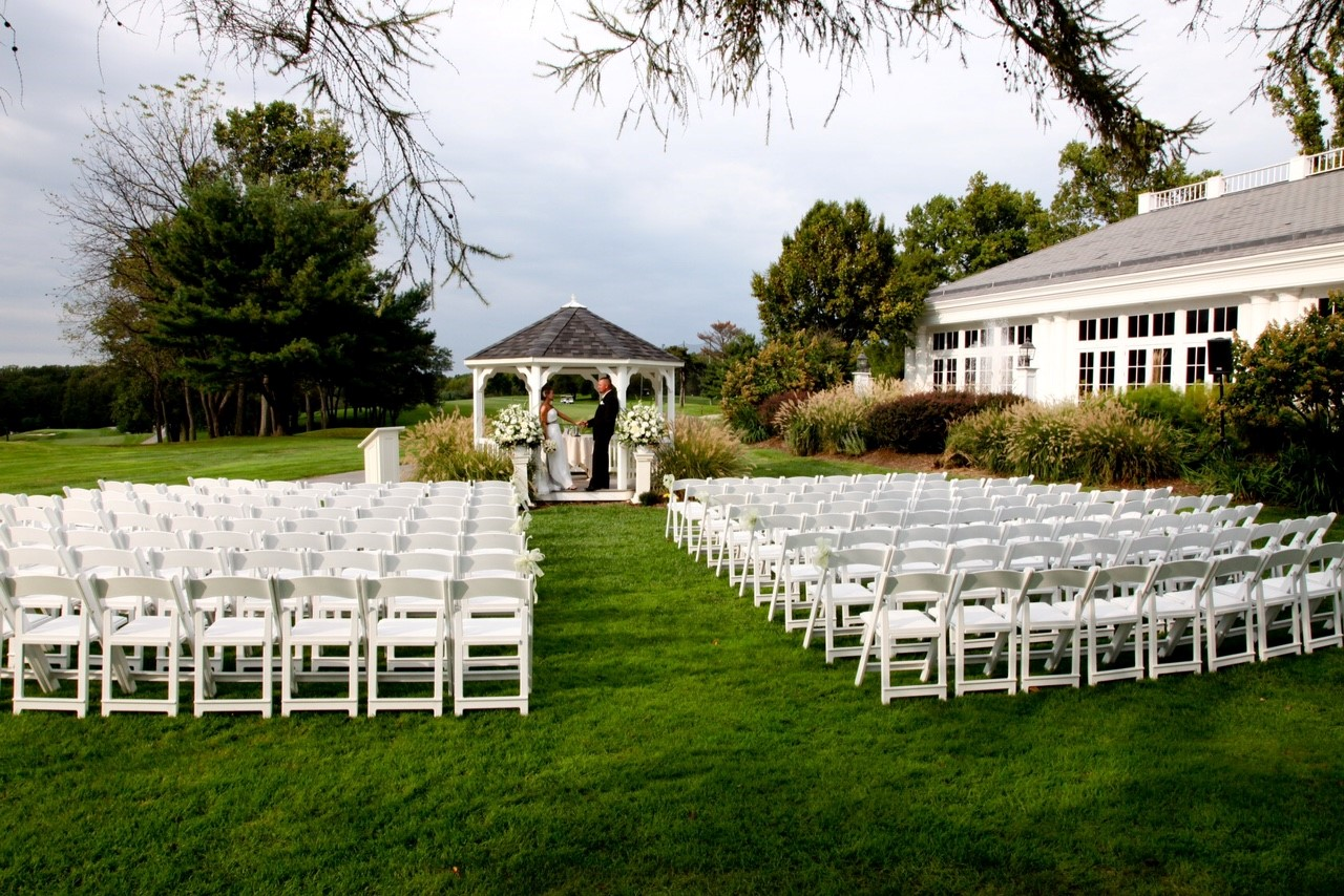 5 Reasons to Choose a Golf Club for Your Wedding